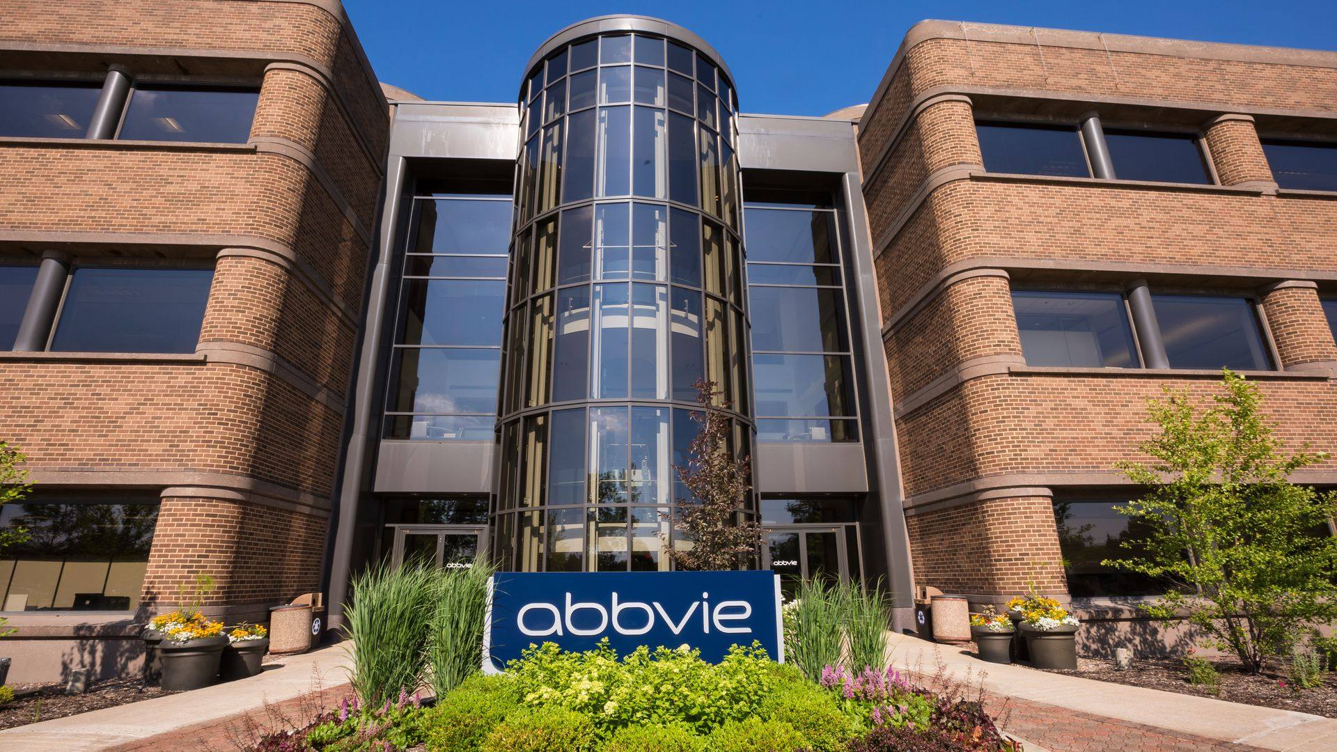AbbVie OFFERS UP 80% HUMIRA DISCOUNT IN EU TENDER MARKET TO HOLD OFF BIOSIMILARS